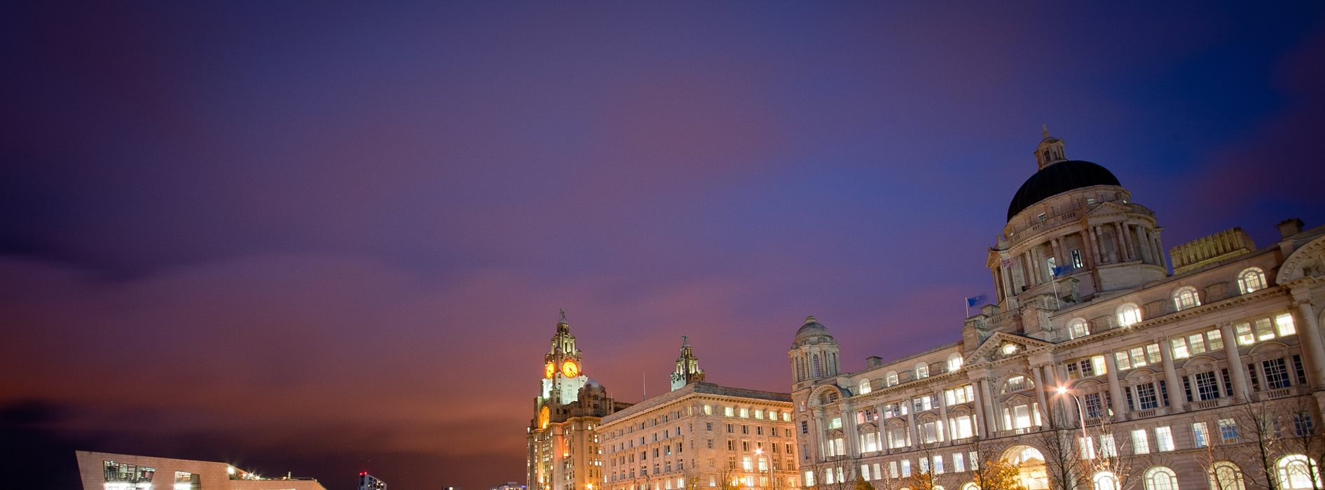 slider-liverpool-night